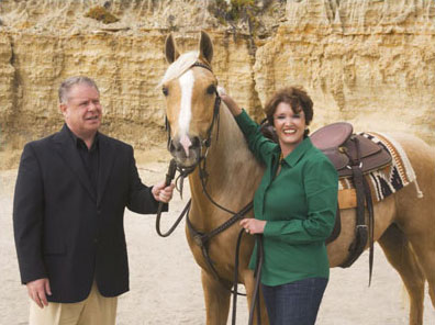 Suzanne-and-Perry-and-Horse